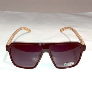 Accessories - NWT Women's Faux Black & Wood Grain Aviator Temple